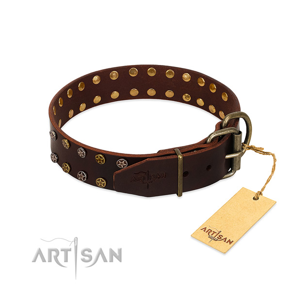 Easy wearing leather dog collar with top notch studs